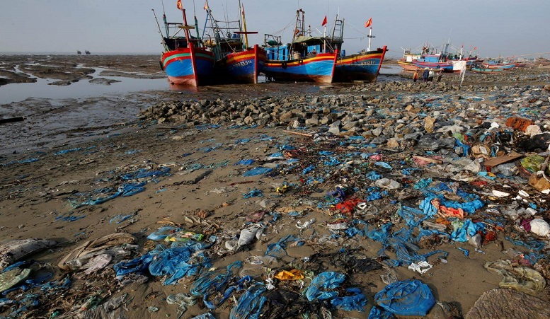 plastic waste ships