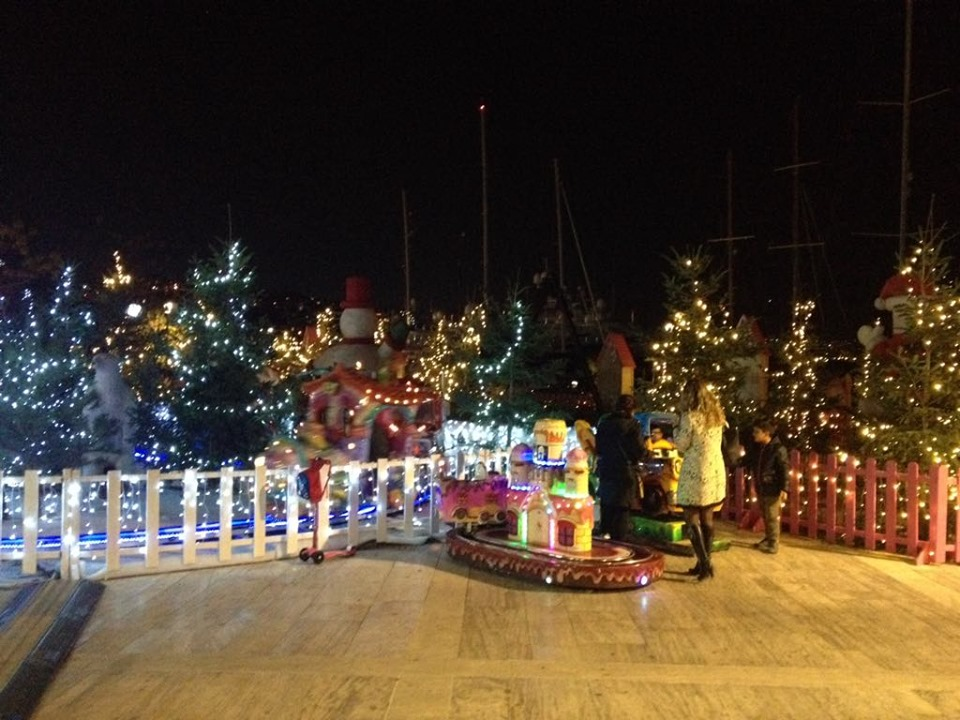 christmas village marina 3