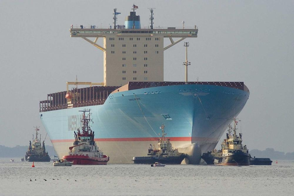 maersk containership empty