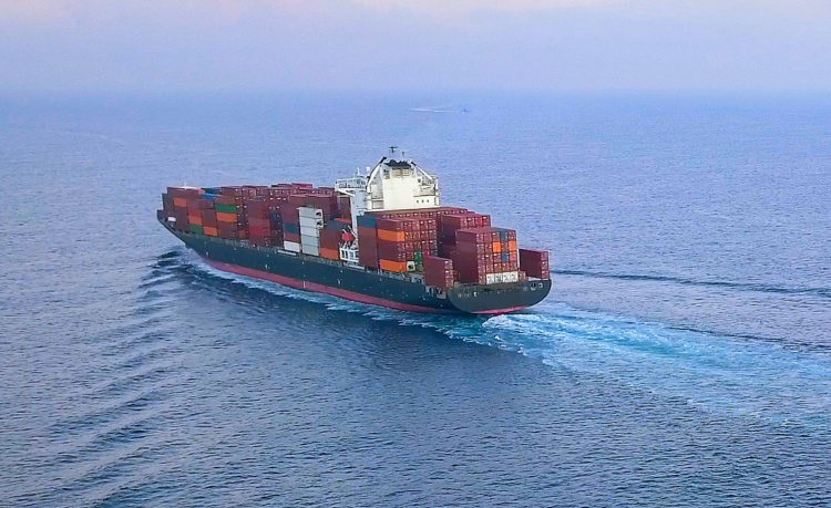 containership leaving