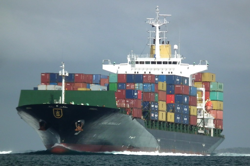 thalassies metafores containership
